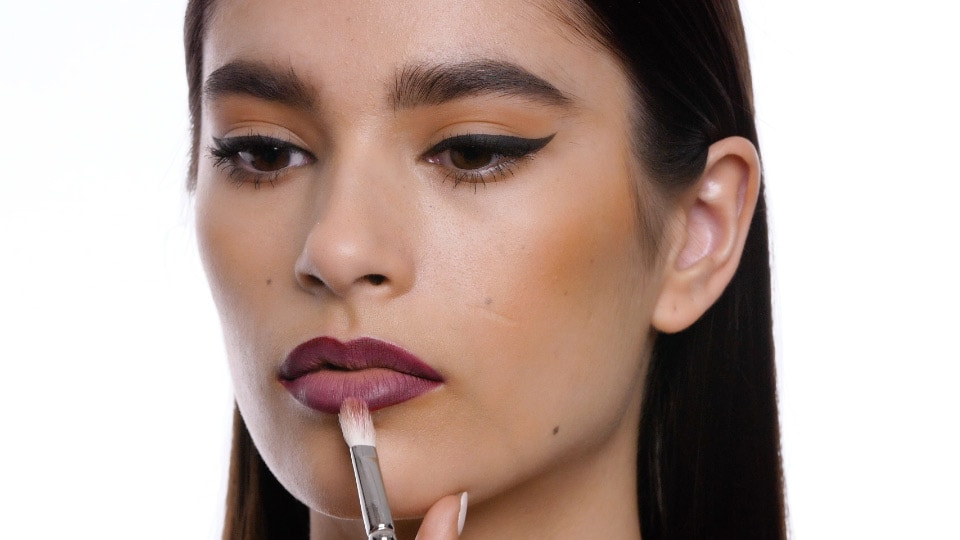 Prep Your<br>Perfect Ombre Lip<br>With MAC Trainer<br>Samaa Hussein